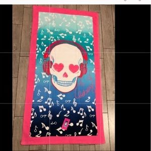 Betsey Johnson skull beach towel